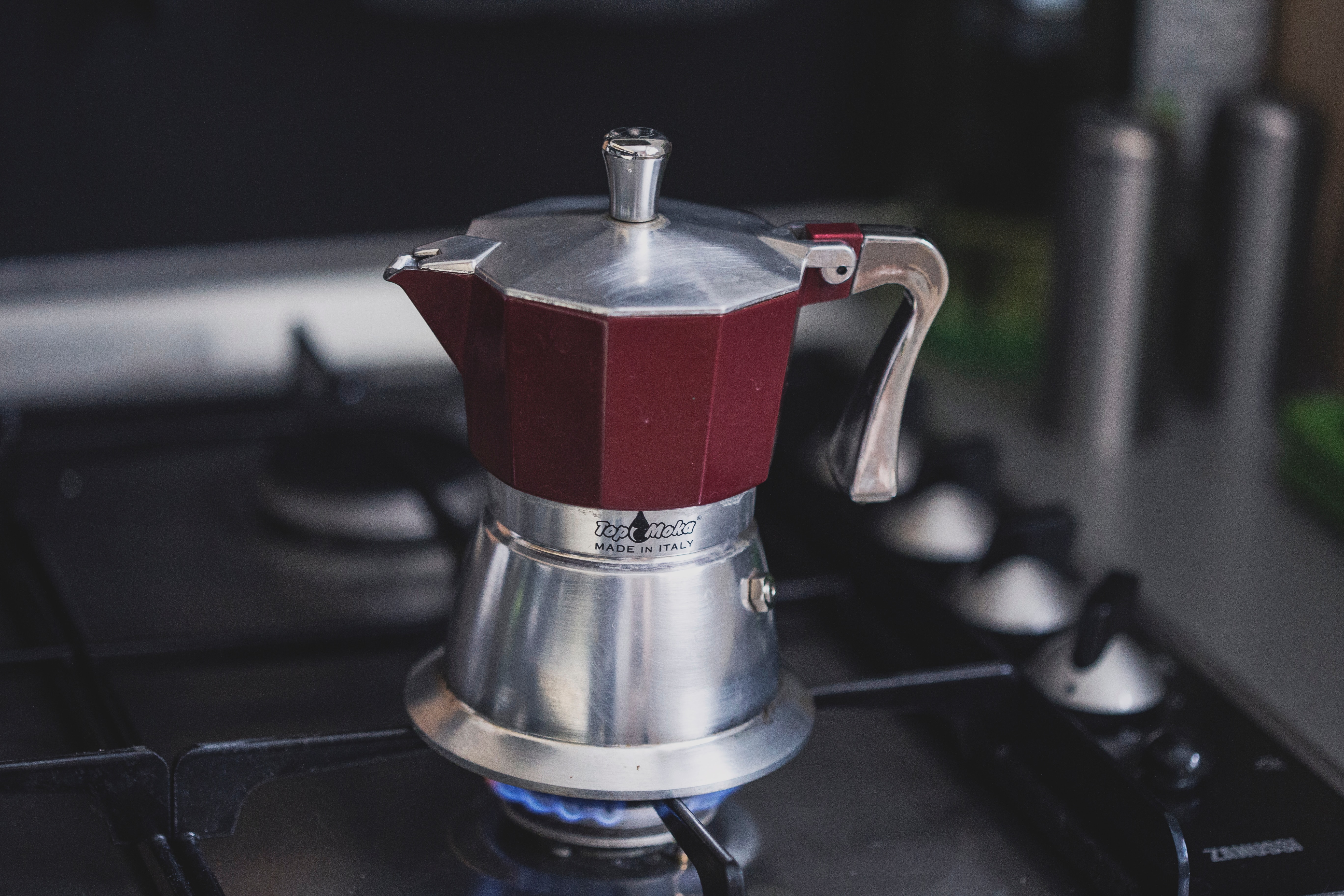 how does a percolator work