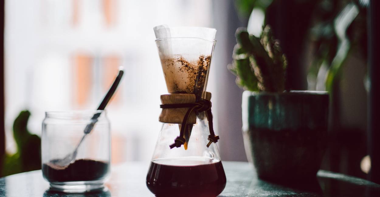 chemex with coffee filter
